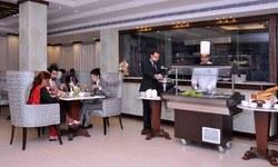 Café de Brando: Where Marlon Brando ordered a second beef burger