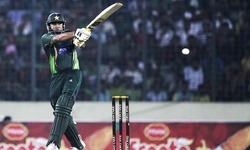 Pakistan lose two in wobbly start