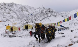 Survivors' tales from Everest avalanche horror