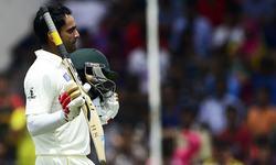Hafeez's maiden double ton puts Pakistan in commanding position