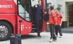Guardiola seeks to outwit old friends as Bayern, Barca collide