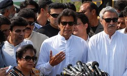 ECP withdraws notice to Imran Khan, mist covers the reason