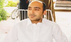Gilani receives phone call from kidnapped son