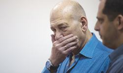 Olmert gets eight months  for corruption