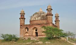 The mysterious graves of Kotli Maqbra
