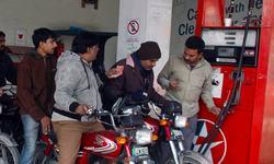 پٹرول کی قیمت میں اضافے کے بجائے جی ایس ٹی میں کمی کی تجویز