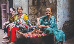 In the heart of Karachi, women rule the streets at night