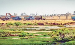 Sepa director seeks halt to Malir embankment construction