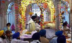Devotees arrive in Lahore for 176th death anniversary of Ranjit Singh