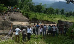 Landslides kill at least 21 in India's Darjeeling