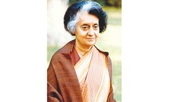 Film on Indira to be approved by Sonia