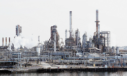 Supply glut haunts crude markets