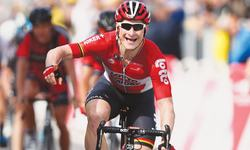 Greipel wins second stage as Nibali loses time