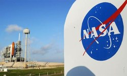 Glitch sees Nasa briefly lose touch with Pluto mission