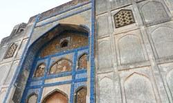 Kalhoro mausoleum: Where no one comes to offer fateha