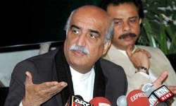 Shah cautions against accepting PTI lawmakers' resignation