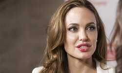 Jolie to direct Cambodian war film for Netflix
