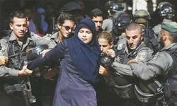 Clashes in Jerusalem as Israeli police enter Al-Aqsa mosque