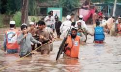 Hundreds evacuated as Budhni Nullah inundates Peshawar neighbourhoods