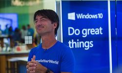 Microsoft rolls out Windows 10 in bid to revive growth
