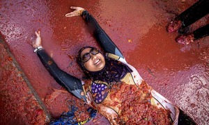 La Tomatina: The day Spain turns red