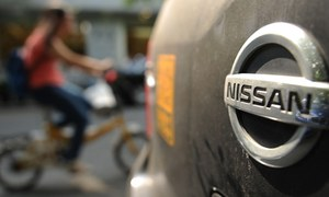 Nissan exploring car making options