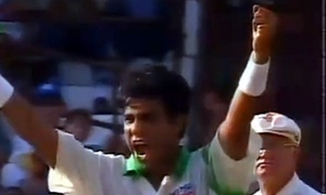 Cricket Classics: Waqar swings it Pakistan's way