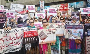 Protesting parents threaten to stop paying exorbitant school fees in Karachi