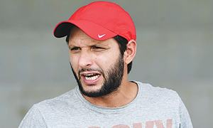 Don't run after India, hold PSL in Pakistan, Afridi tells PCB