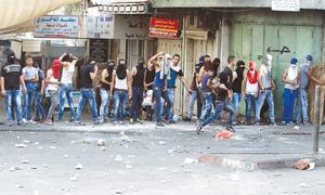 Israel bars Palestinians from entering Jerusalem Old City