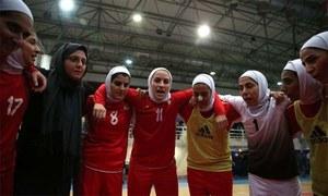 ایران کی ویمن فٹبال ٹیم میں مرد شامل