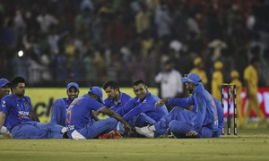 Indian fans become 'security risk', Proteas thump hosts to win T20 series