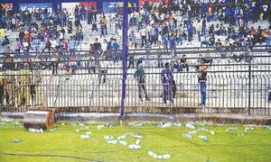 Gavaskar calls for Cuttack ban after crowd trouble