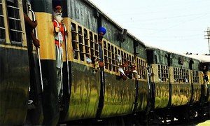 Delhi-bound Samjhota Express returned to Lahore with all passengers