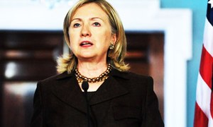 Clinton opposes TPP in break with Obama