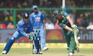 De Villiers upstages Sharma as SA edge India in thriller