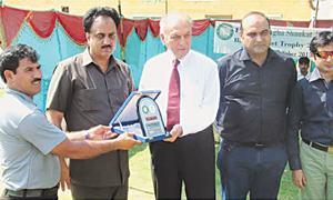 Islamabad, Peshawar win blind cricket contests