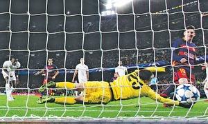 Goals galore as brilliant Barca, Bayern advance