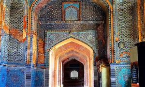 From Karachi to Keenjhar — exploring lower Sindh's exquisite monuments