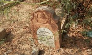 کراچی کا یہودی قبرستان اور نامعلوم فون کال