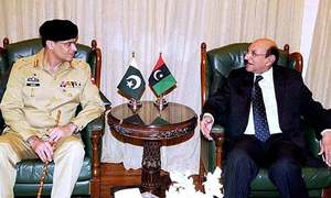 Corps Commander Karachi discusses law and order situation with CM, governor Sindh