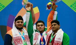 Nooh lifts gold on another bronze-laden day for Pakistan