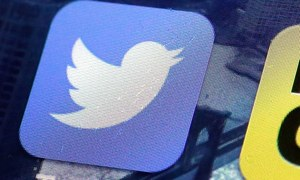 Twitter lets hot tweets rise to top of timelines