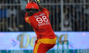 Quetta Gladiators beat Islamabad United by seven wickets