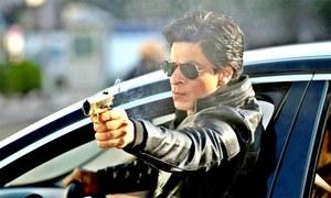 شاہ رخ خان کی گاڑی پر پتھراؤ