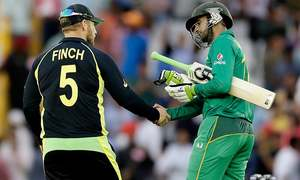 Clinical Australia knock Pakistan out of World T20