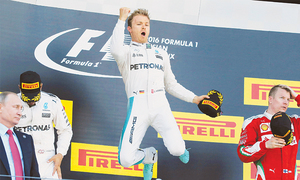 Rosberg makes it seven wins in a row