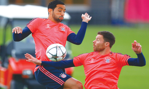 Bayern look to overturn 1-0 deficit at home