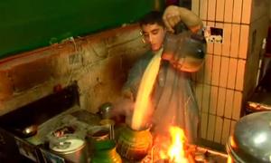 کراچی کے چائے والے کا عالمی ریکارڈ