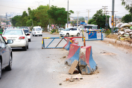 Abandoned picket a nuisance for motorists